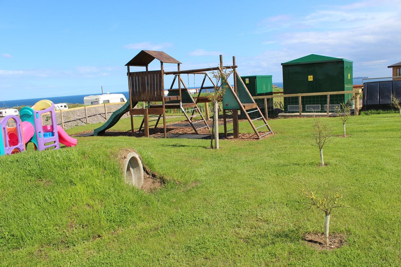silverdyke-caravan-park-play-park
